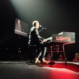 chris-tomlin-burning-lights-tour_10675475665_o.jpg