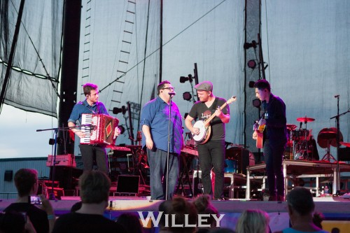 for-king--country-at-the-2016-delaware-state-fair_28575306956_o.jpg